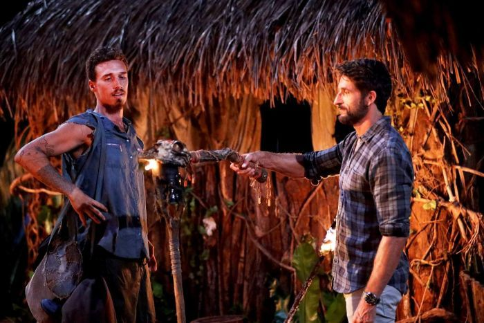Australian Survivor Champions Vs Contenders 2 Luke's Torch Getting Snuffed By Jonathan